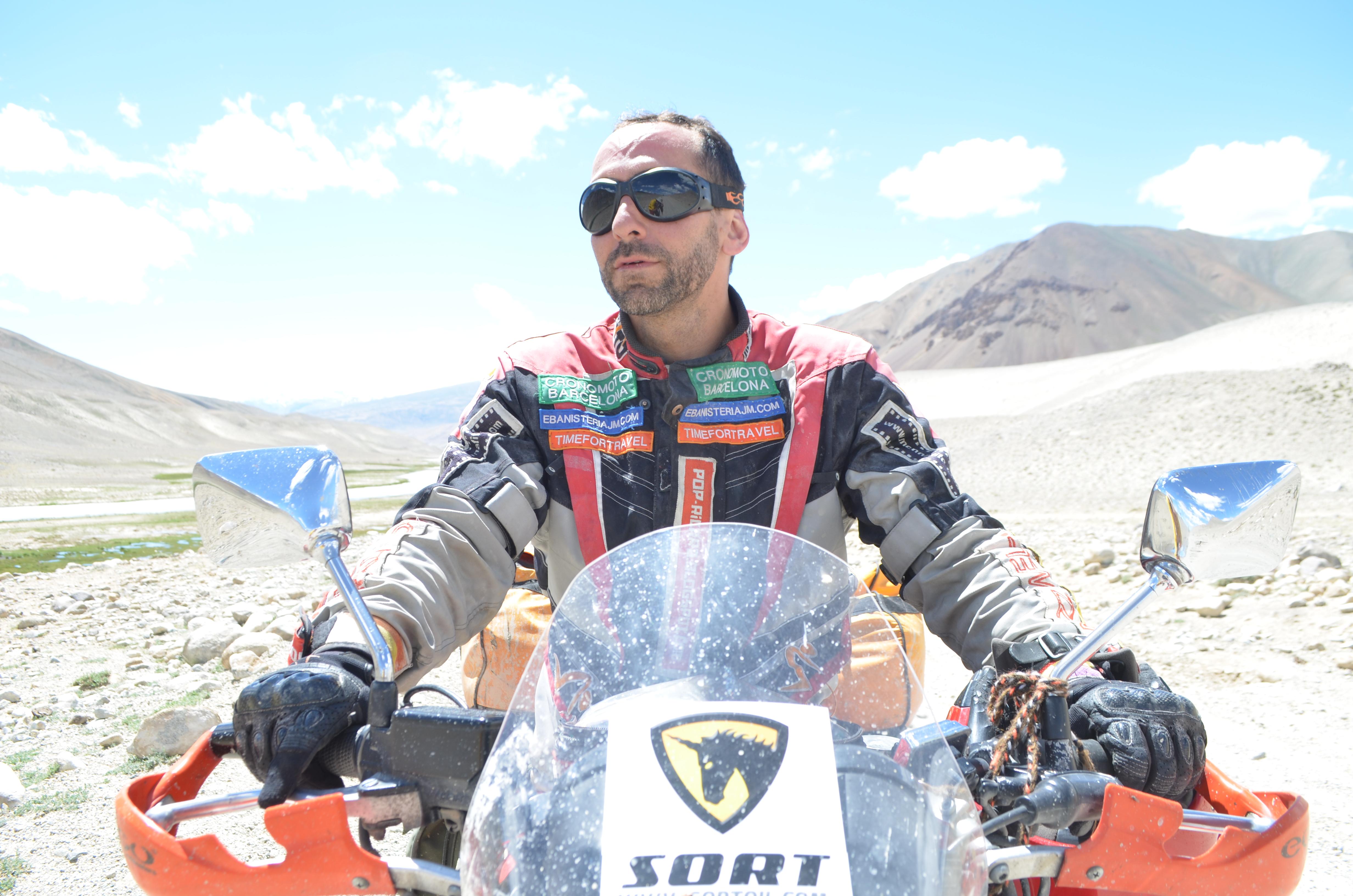 El viaje de Ricardo Fité a Mongolia, en La Contra de La Vanguardia