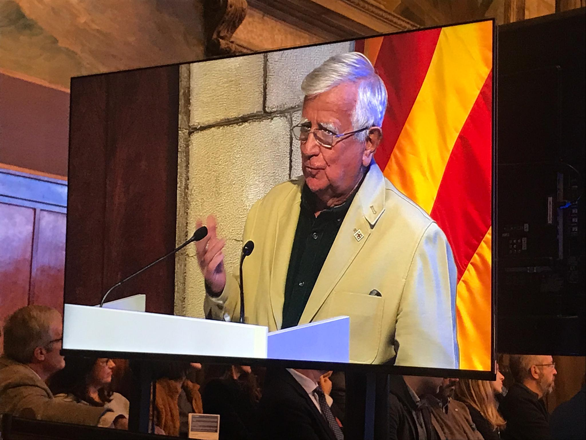 Tomás Alcoverro rep el Premi Nacional de Comunicació de la Generalitat